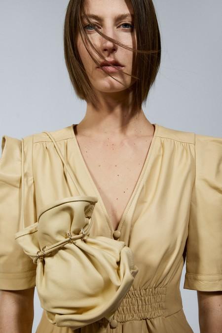 La nueva colección de bolsos de Zara tiene modelos únicos para cambiar por completo nuestros estilismos diarios