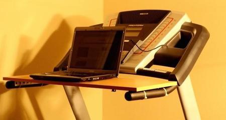¿Quieres tu propia mesa para trabajar y andar a la vez? Pues reutiliza tu cinta andadora