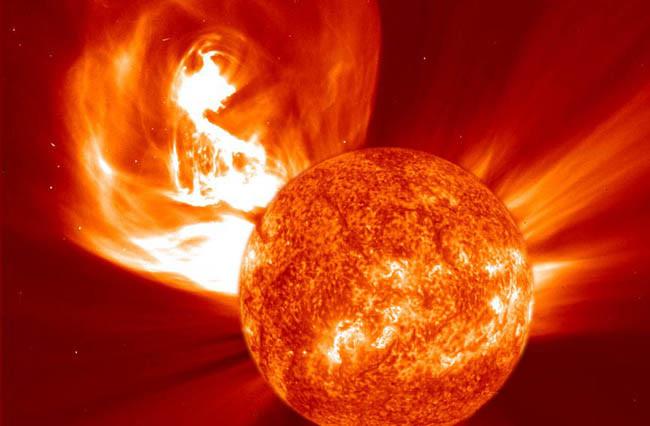 Cme SOHO 14 Photos Explaining 14 Major Mysteries About The Sun - TinoShare.com