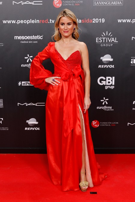 Gala Contra El Sida People In Red2
