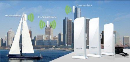 Amped Wireless SR600EX, el repetidor WiFi con el que no nos quedaremos cortos de señal: hasta 2,5 km de alcance