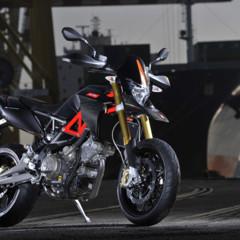 Foto 2 de 30 de la galería aprilia-dorsoduro-factory-2010 en Motorpasion Moto