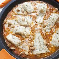 Con esta receta de bacalao con salsa de almendras tenéis el éxito asegurado con todo el mundo
