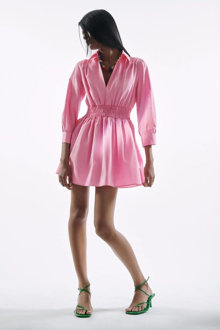 Los vestidos que arrasan ahora mismo en Zara y están en su sección de bestsellers