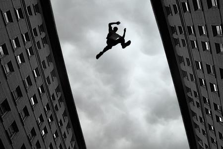 Cómo el parkour dejó de ser unos locos saltando por tejados para convertirse en un deporte oficial