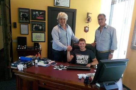 Stefan Bradl firma con el NGM Forward Racing para la temporada 2015