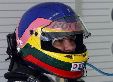 Jacques Villeneuve también correrá en la NASCAR