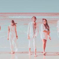 ¿Hay una mejor forma de empezar un finde de verano que con una nueva canción de Crystal Fighters?