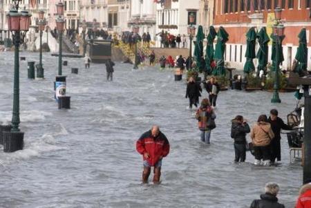 Venecia: wakeboard en la Piazza San Marco