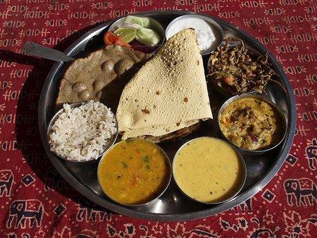Introducción a la comida india: el Thali