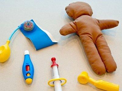 Una consulta de enfermería inspirada en el método Montessori, donde curarse, divertirse y aprender van de la mano