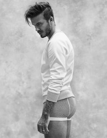 Empezar el año con David Beckham en paños menores es el bien