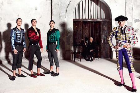 Dolce & Gabbana presentan su campaña para primavera/verano 2015 inspirada en la fiesta brava