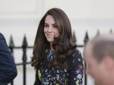 Kate Middleton triunfa con su último look