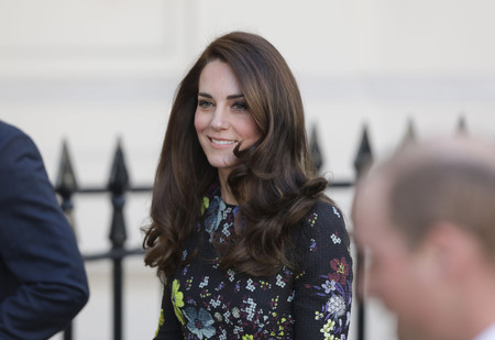 Kate Middleton triunfa con su último look