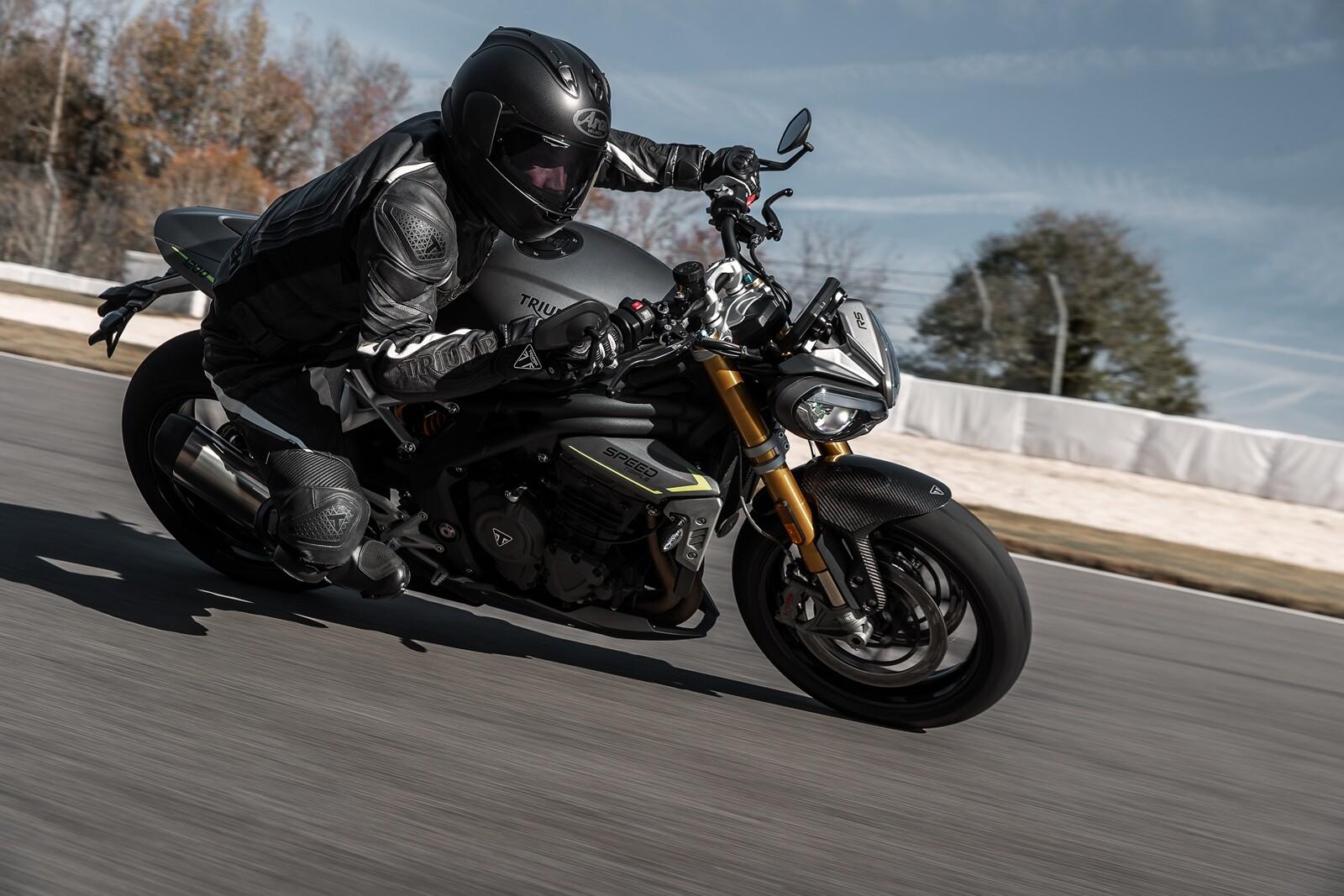 Foto de Triumph Speed Triple 1200 RS 2021 (28/71)