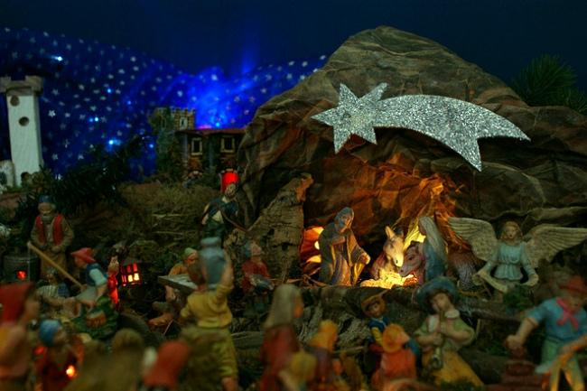 Ocho alternativas al musgo natural para decorar el bel n for Como decorar un belen de navidad