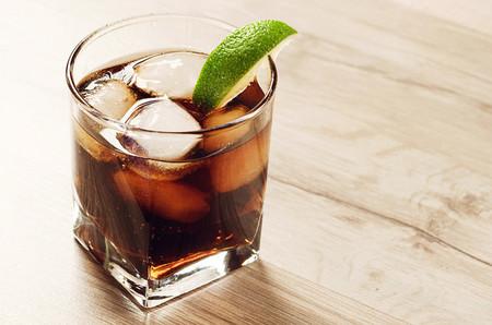 Coca-Cola y Pepsi financian organizaciones relacionadas con la salud: el conflicto de interés detrás del dinero de los refrescos azucarados