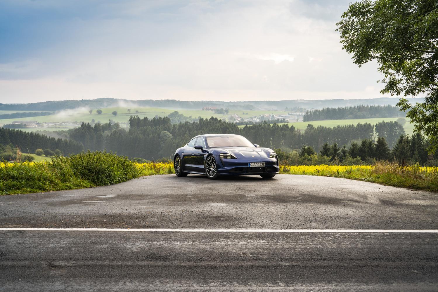 Foto de Porsche Taycan prueba contacto (105/275)