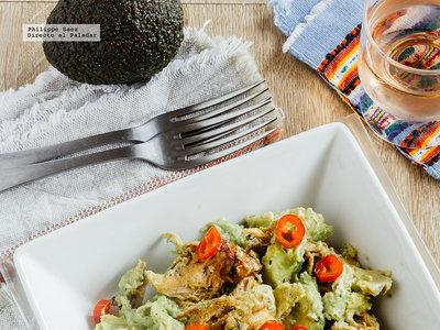 Ensalada de pollo y aguacate. Receta fácil saludable