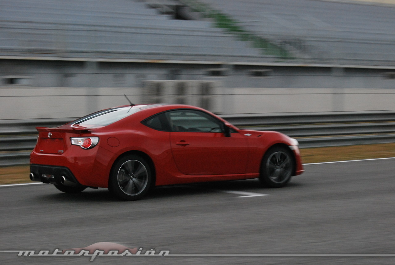 Toyota GT 86 en el Jarama (prueba)