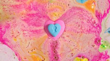 Pasaremos San Valentín metidos en la bañera y la culpa la tiene la colección más romántica y sexy de Lush