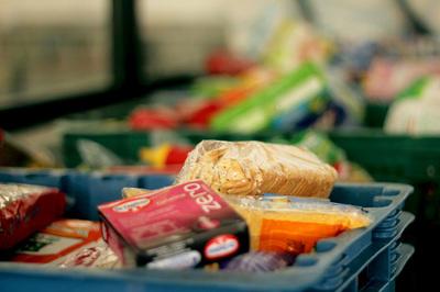 ¿Cómo funcionan los bancos de alimentos?