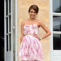 Las famosas eligen los vestidos con estampado de flores: elige los mejores looks