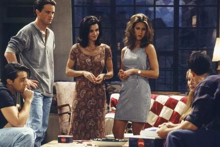 Friends Fashion MomentsRepasamos los looks más míticos de Friends y los adaptamos a las tendencias actuales con prendas de esta temporada