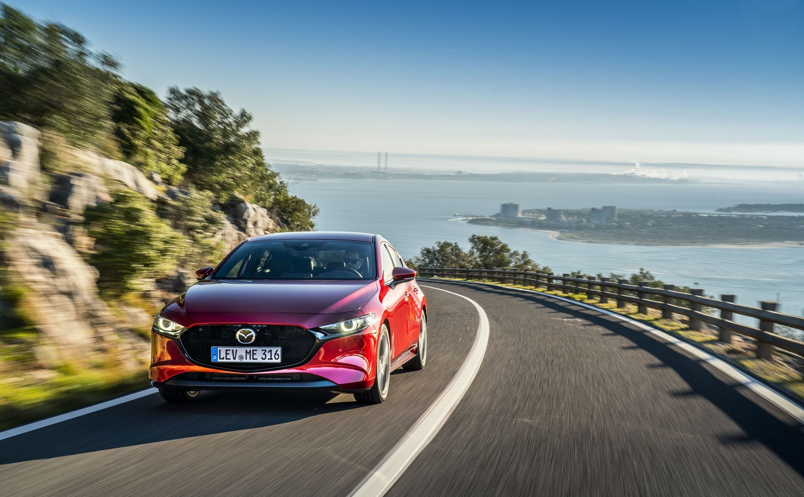 Foto de Mazda3 2019 (49/128)