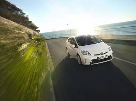 El Toyota Prius consigue la máxima puntuación en el EcoTest 2012