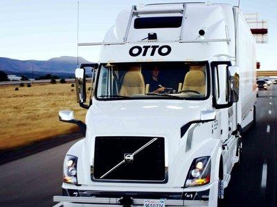 El camión autónomo de Uber hace su primera entrega: 50.000 latas de cerveza