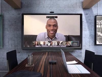 Hangouts permite hacer videollamadas grupales de hasta 25 personas, pero solo para trabajo