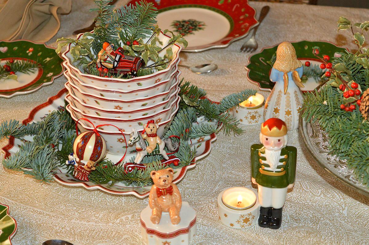 Tips para poner una mesa de navidad al detalle for Vajillas para navidad