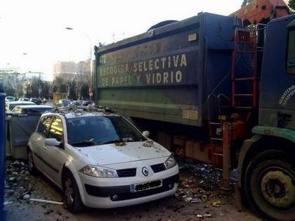 Dejar el coche en la calle tiene sus peligros (IV)