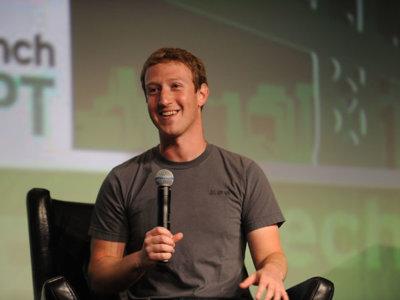 Mark Zuckerberg parece tenerlo muy claro: la telepatía llegará a Facebook