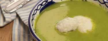 Crema de guisantes con quenelle de brandada de bacalao, una receta elegante para sorprender