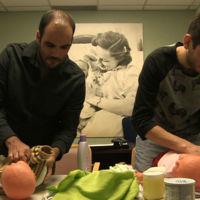 """""""Welcome Home: Una historia de familia"""", la experiencia de una pareja homosexual con la maternidad subrogada"""
