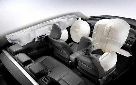 Lexus CT 200h - Airbags
