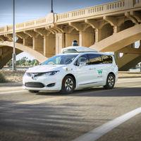 Waymo hace posible pedir y viajar en taxi autónomo: Waymo One arranca en Phoenix