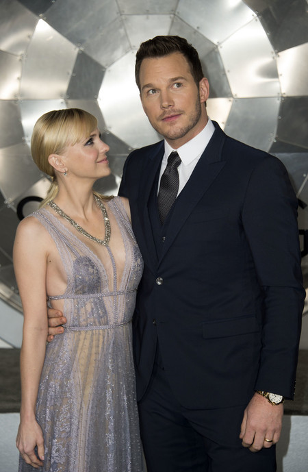 Chris Pratt Jennifer Lawrence Passengers Movie Premiere 02