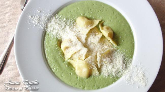 Receta de crema brócoli con raviolis