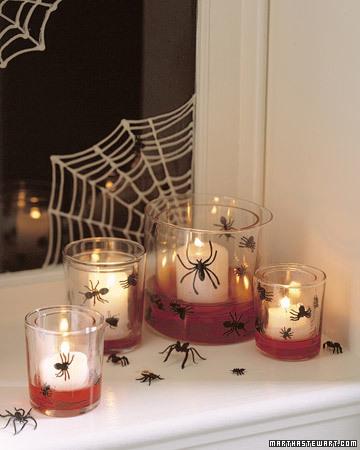 Decoración en Halloween: arañas en las velas