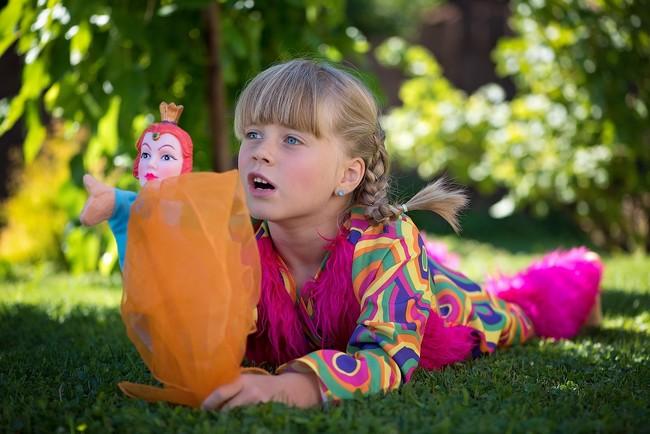 niña-y-marioneta
