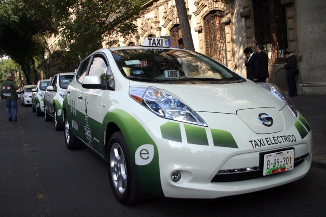 Taxis eléctricos Nissan LEAF de Ciudad de México