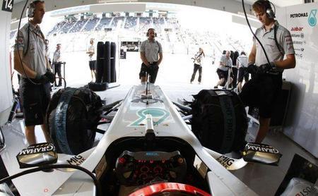 GP de Corea F1 2011: mejor tiempo para Michael Schumacher en una primera sesión libre pasada por agua