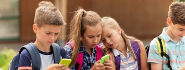 La moda del 'selfie sexual' entre los niños: la policía advierte de los peligros de desnudarse para lograr 'likes'