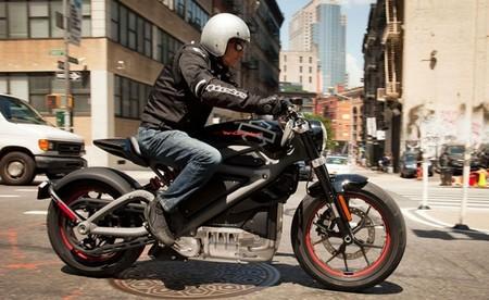 Primeras impresiones y nuevos detalles técnicos de la Harley-Davidson LiveWire en un video rodado en Nueva York