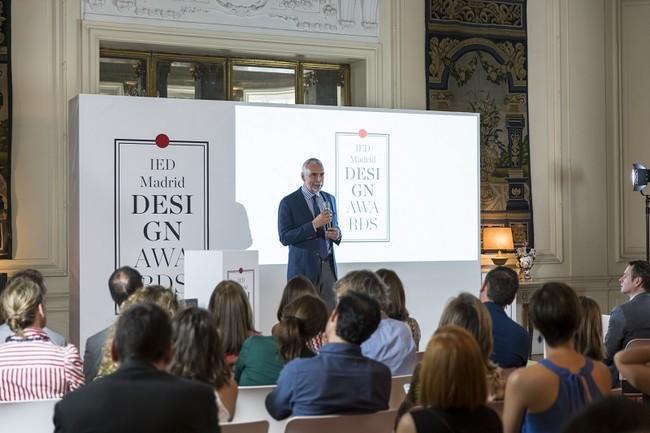 Stefano Sannino Embajador De Italia Dando La Bienvenida A Los Premios