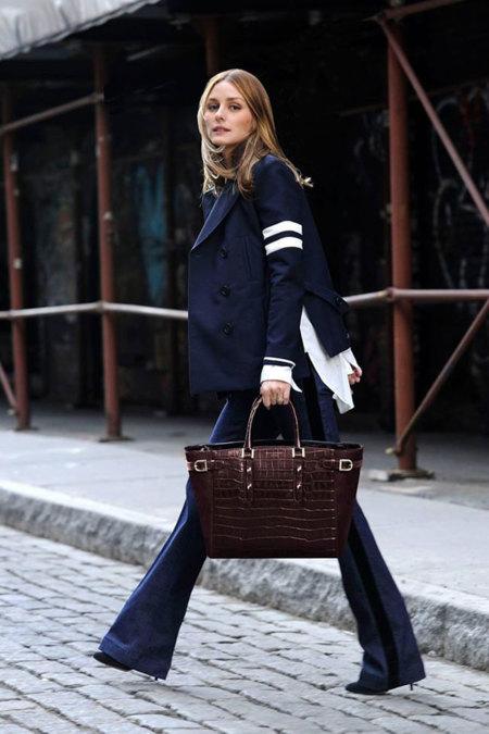 Olivia Palermo quiere que cargues el móvil o el iPad con su bolso solidario para Aspinal of London